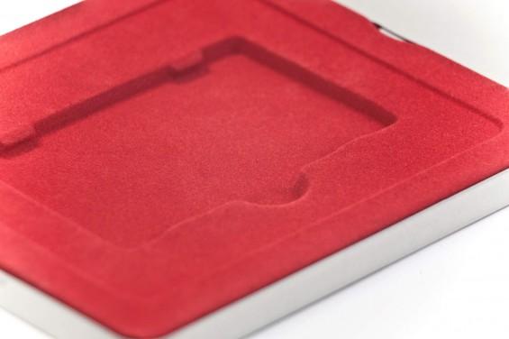 Caja metal cuadrada cartones roja
