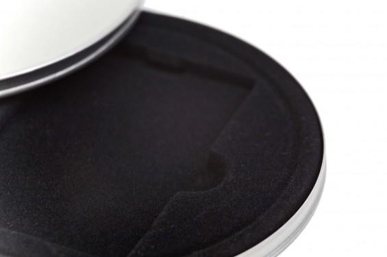 Caja metal redonda para cartones negra