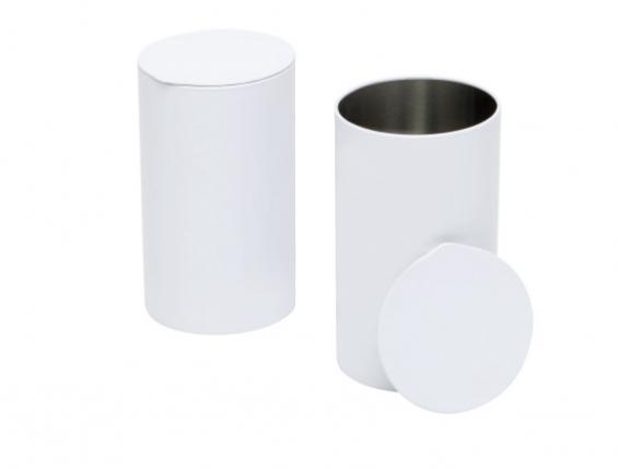 Caja de metal redondo en blanco