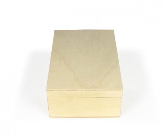 Caja de madera con dos tableros