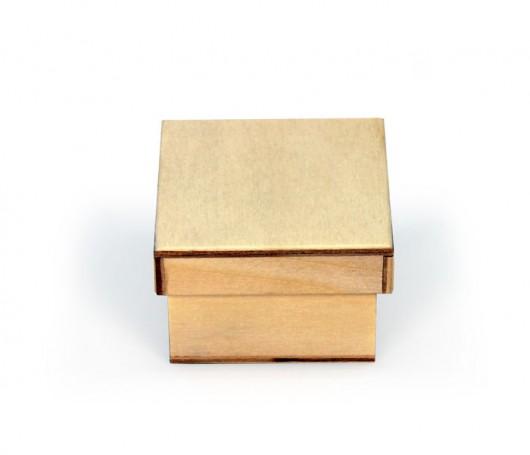 Pequeña caja de madera