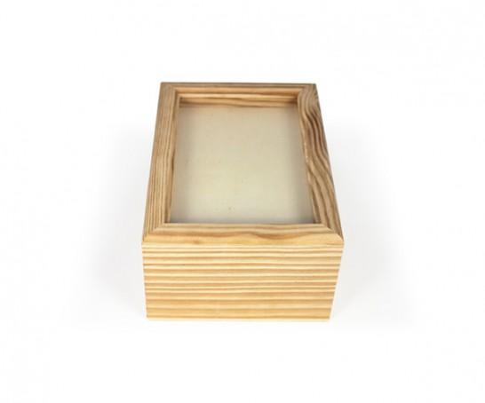 Caja de madera con tapa en vidrio