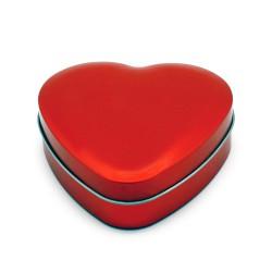 Corazón de metal en rojo