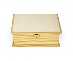 Caja de madera recortada